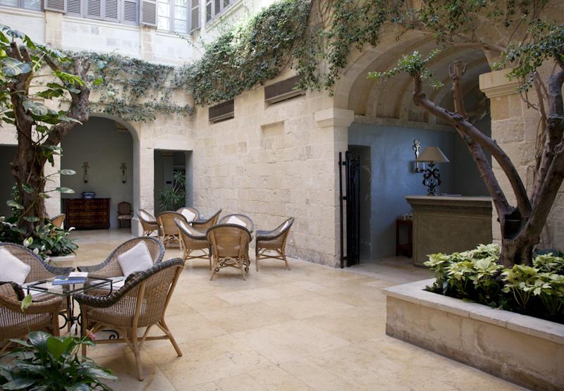 The-Xara-Palace-Atrium